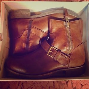 BNIB Brown Ankle Boots